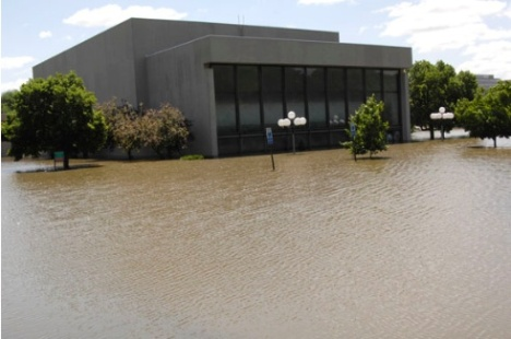 University of Iowa - building on campus flooded