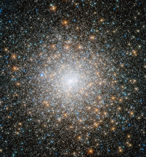 Hubble image of star cluster Messier 15.